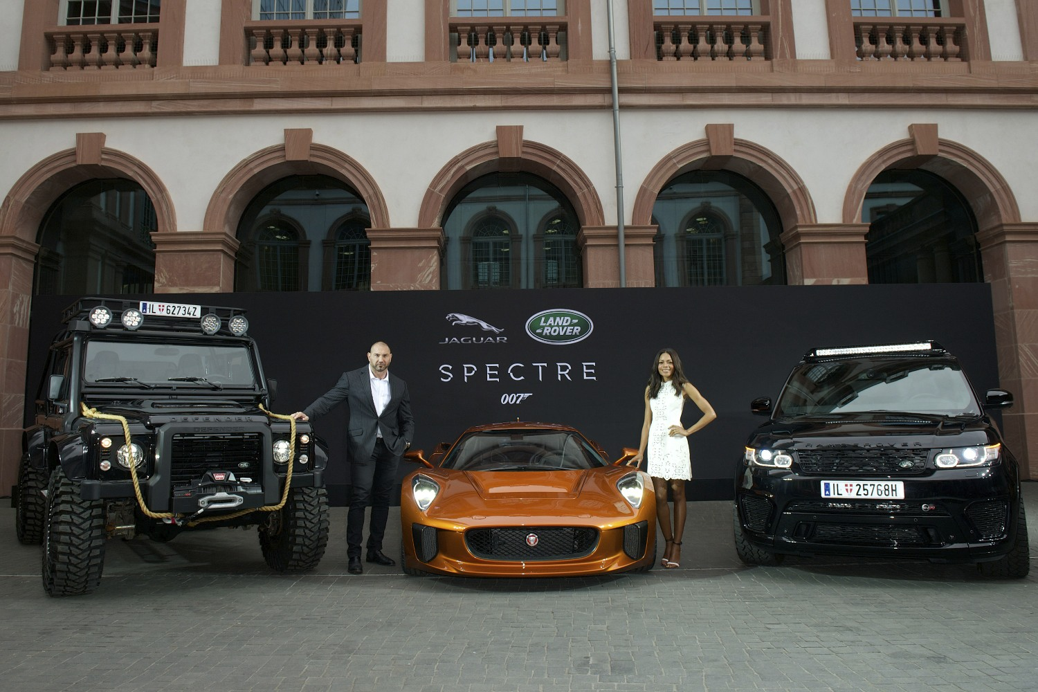 Jaguar-Land Rover presenta le Bond Cars