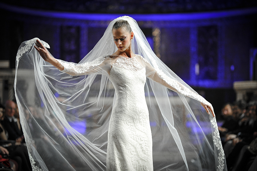 Roma Fashion White 2015: la sposa in chiesa