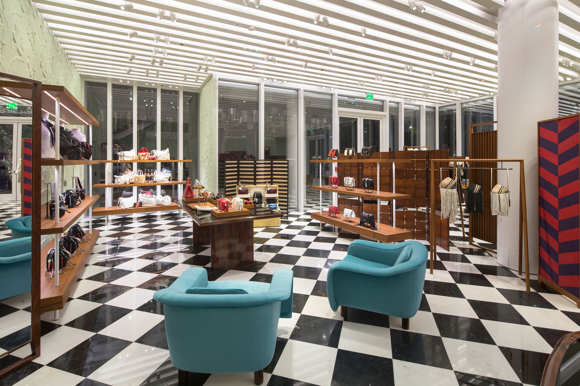 Prada a Miami: boutique dal design tropicale